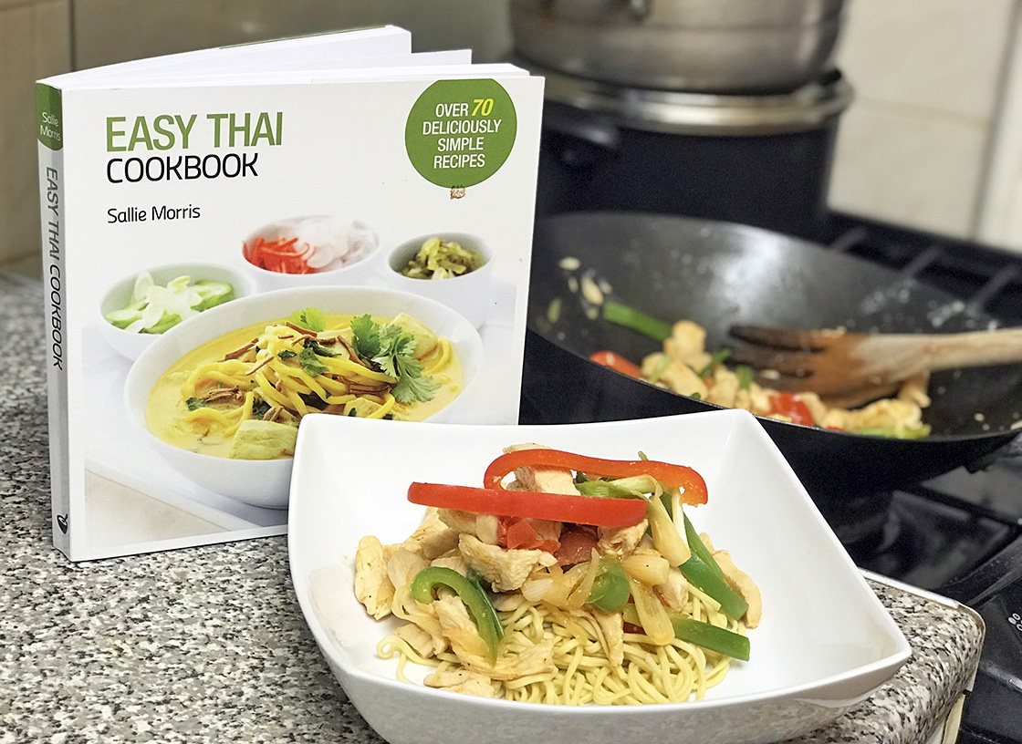 Easy Thai Cookbook by Sallie Morris